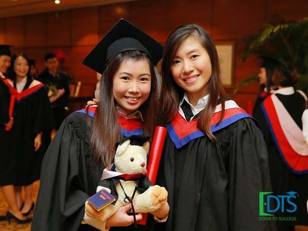 Du học Singapore nhận bằng cử nhân khi mới 18